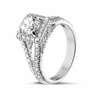 Halo ring - 1.00 carat solitaire diamond ring in white gold with side diamonds