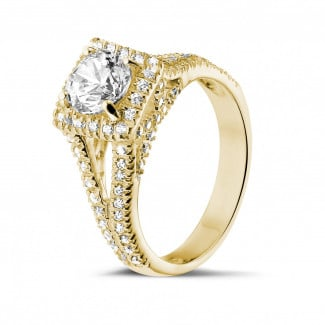 Rings - 1.00 carat solitaire diamond ring in yellow gold with side diamonds