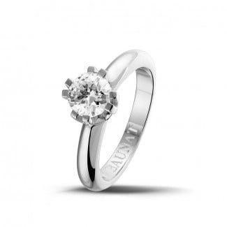 Engagement - 0.90 carat solitaire diamond design ring in platinum with eight prongs