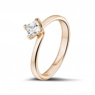 - 0.50 carat solitaire ring in red gold with princess diamond