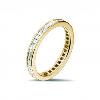 Classics - 0.90 carat eternity ring (full set) in yellow gold with small princess diamonds