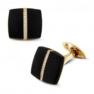 Yellow Gold Cufflinks - Yellow golden cufflinks with onyx and diamonds