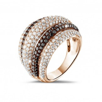 Originality - 4.30 carat ring in red gold with black and white round diamonds