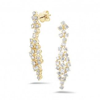 Yellow Gold Diamond Earrings - 2.90 carat diamond earrings in yellow gold