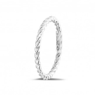 Wedding - Stackable twisted ring in white gold