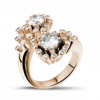 - 1.50 carat diamond Toi et Moi design ring in red gold