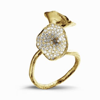 Le Paradis collection - 0.89 carat diamond design ring in yellow gold