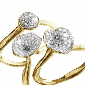- Matching diamond design rings in yellow gold