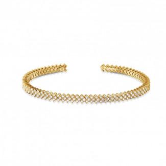 Bracelets - 0.80 carat diamond bangle in yellow gold