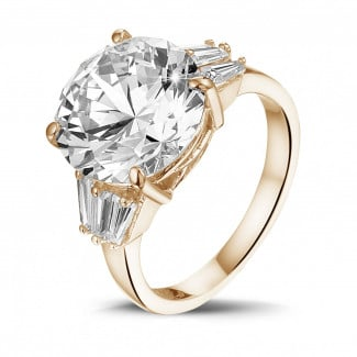 Exclusive jewellery in red gold - Ring in red gold white round diamond and taper cut diamonds