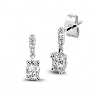 White Gold Diamond Earrings - 0.94 carat earrings in white gold with oval diamonds
