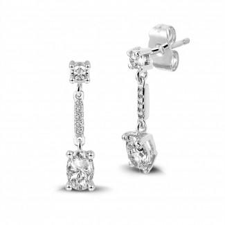 Earrings - 1.04 carat earrings in white gold with oval diamonds