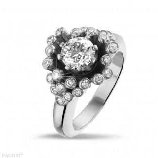Engagement - 0.90 carat diamond design ring in white gold