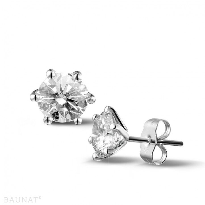 2.50 carat classic diamond earrings in white gold with six prongs
