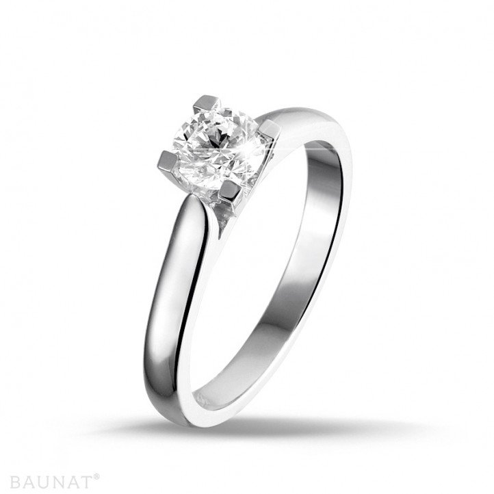 0.30 carat solitaire diamond ring in white gold