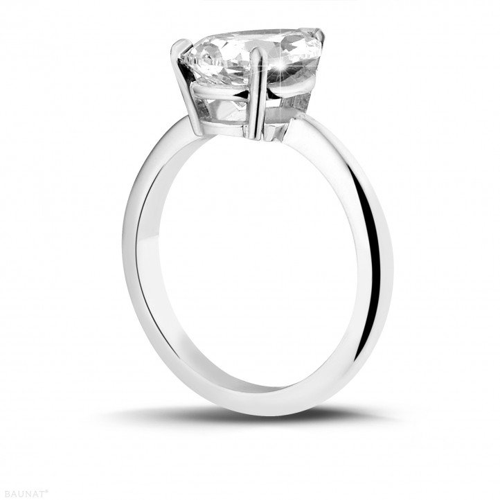 2.00 carat solitaire ring in white gold with pear shaped diamond