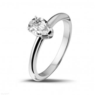 Gold diamond ring - 1.00 carat solitaire ring in white gold with pear shaped diamond