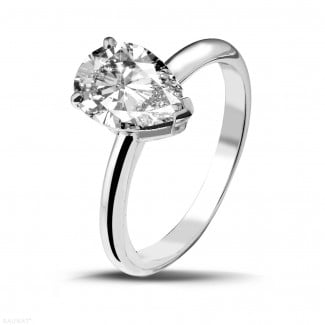 Classics - 2.00 carat solitaire ring in white gold with pear shaped diamond