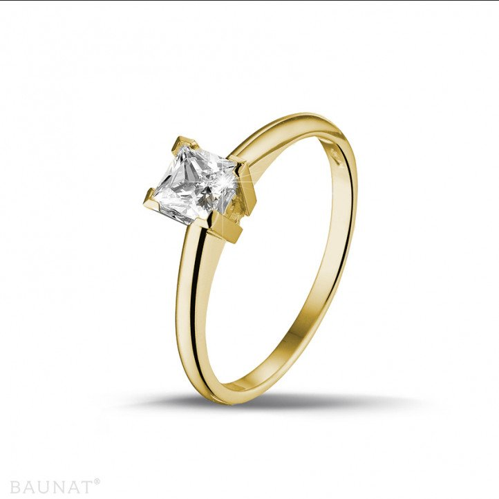 0.50 carat solitaire ring in yellow gold with princess diamond