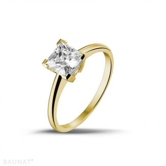 1.25 carat solitaire ring in yellow gold with princess diamond