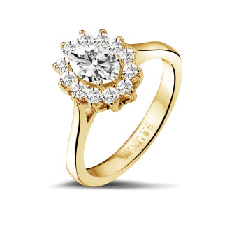 Rings - 1.00 carat entourage ring in yellow gold with oval diamond