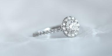Light and brilliance: which is your solitaire ring?