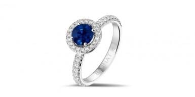 September tip: diamond ring with a sapphire