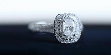 Tailor made engagement ring