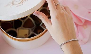 How to customise a bracelet for a communion?