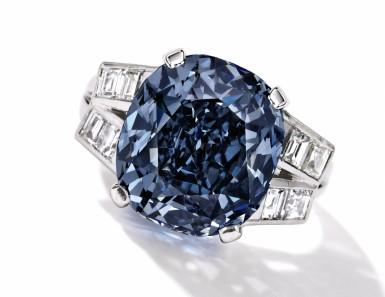 A fancy cut for your engagement ring: focus on cabochons