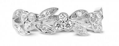 Gift idea: a diamond ring for Mother's Day
