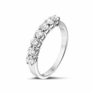 圆形钻石婚戒 - 0.70克拉白金钻石戒指