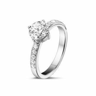 铂金钻石求婚戒指 - 1.00克拉铂金单钻戒指 - 戒圈密镶小圆钻