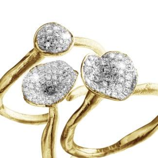 黄金 - 设计系列0.90克拉黄金钻石三环戒指