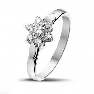 白金钻石求婚戒指 - 花之恋0.30克拉白金钻石戒指